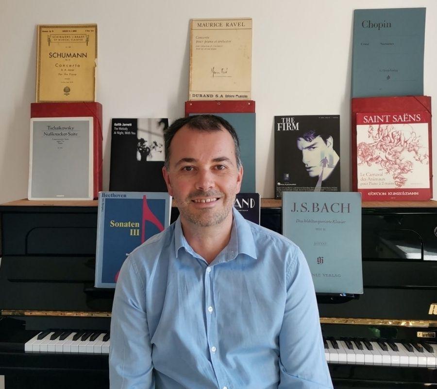 gregoire-photo-de-couverture-professeur-de-piano-ado